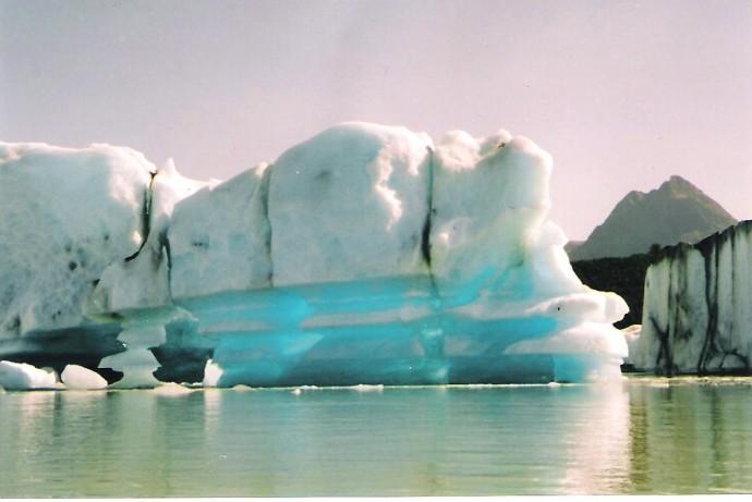 Iceberg Alsek Lake
